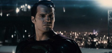 batmanvsuperman-supes-rooftop-night-700x331