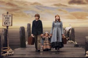 still-of-liam-aiken-emily-browning-and-shelby-hoffman-in-lemony-snickets-a-series-of-unfortunate-events-2004-large-picture