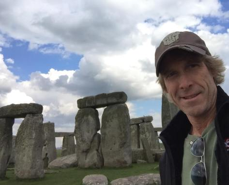 Michael-Bay-Transformers-5-UK-Stonehenge